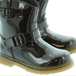 Black DR. Martens airwiar kids size 2 boots